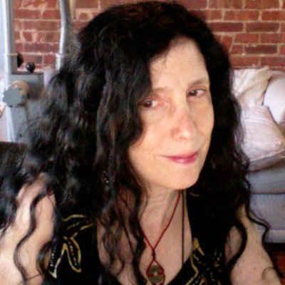 Caroline Leavitt Avatar